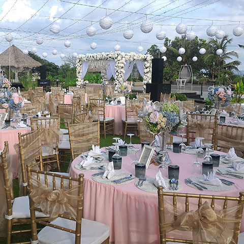 Bali wedding chapel luxury beachfront villa wedding in bali for Bali wedding decoration ideas