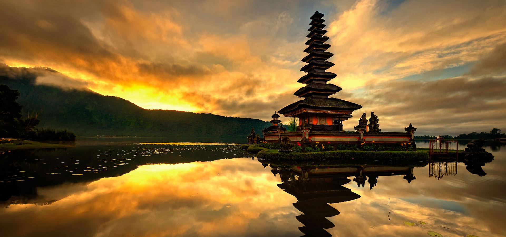 Bratan like temple - cultural activities at samabe