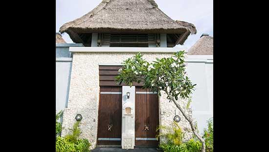 Garden View Pool Villa Entrance Area