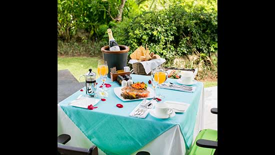 Champagne Breakfast in your Suite or Villa