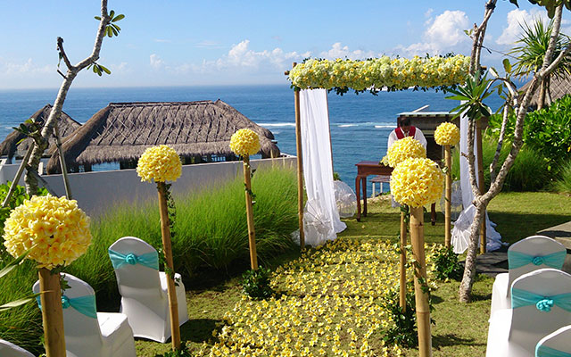 nusa dua christian singles Read real reviews, guaranteed best price special rates on sofitel bali nusa dua beach resort in bali, indonesia travel smarter with agodacom.