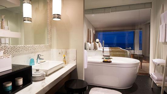 Bathroom at the Ocean Front Pool Suite
